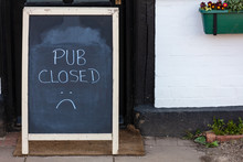 Pub Closed Sign Due To Coronav...