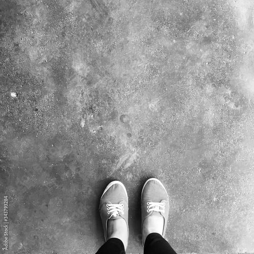 Stampa su Tela Woman Standing On Pavement