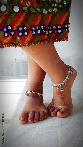 Photo Low Section Of Woman Wearing Anklets
