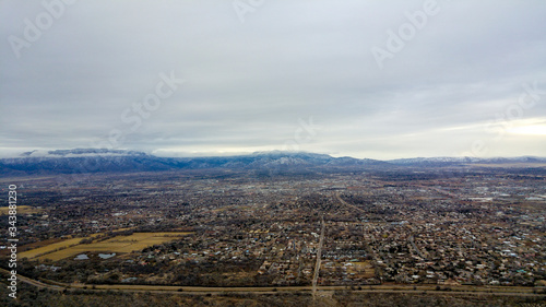Photo Aerial shot of Albuquerque and the Rio Grande from a hot air balloon, New Mexico