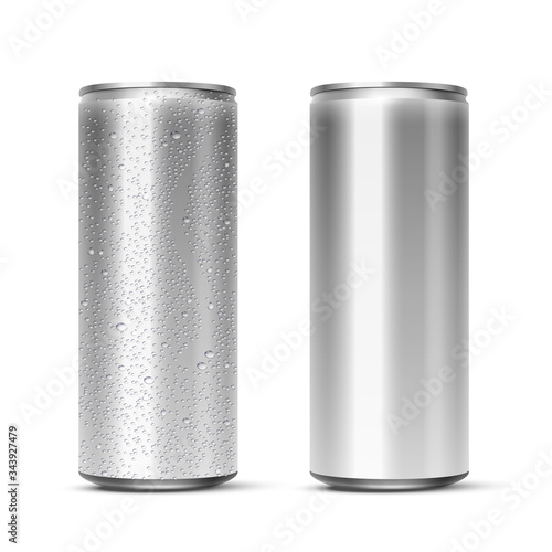 Vector 3D realistic aluminum cans with and without water drops isolated on white background Canvas Print