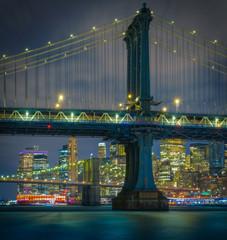 Fototapeta Mosty bridge night city manhattan new-york skyline lights lighting brooklyn river architecture usa vacation covid-19 cityscape buildings skyscrapers panorama sky prints