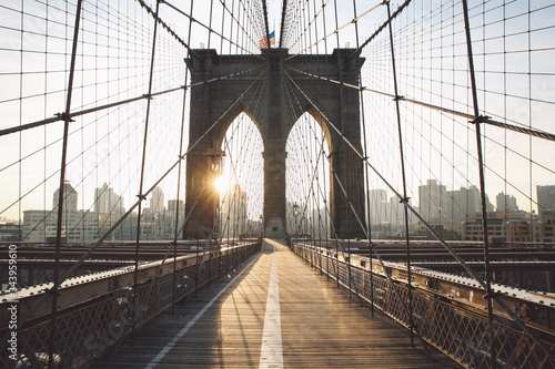 Canvas Print Low Angle View Of Brooklyn Bridge In City Against Sky