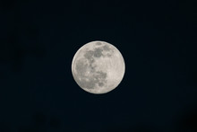 View Of The Full Moon With Vis...