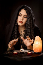 Girl Gypsy Fortune Teller In A...