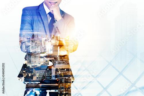Obraz na plátně Double exposure image of businessman with city view