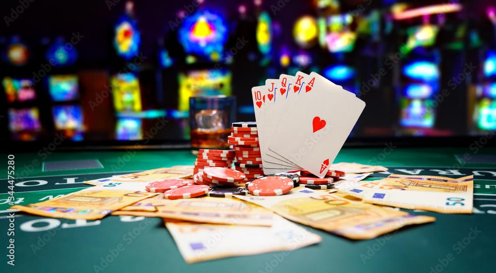 Fototapeta Poker royal flush with Ero bills