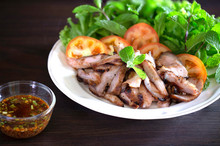 Sliced Grilled Neck Pork And V...