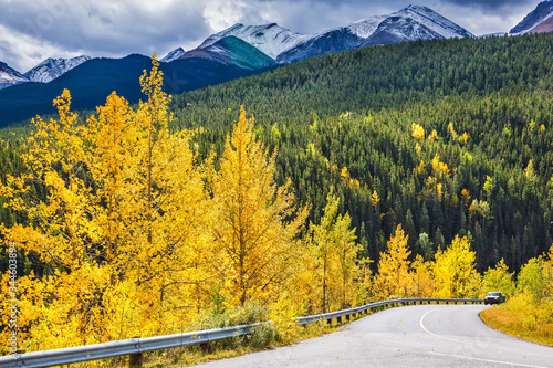 Photo The magnificent Rocky Mountains in Canada