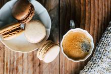 Macarons Au Chocolat Et Vanill...