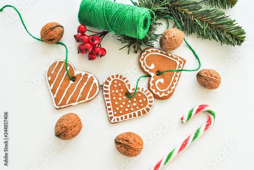 Obraz Święta, Boże Narodzenie, pierniczki, choinka, dekoracje, świąteczna, atmosfera, wypieki, gałązka - fototapety do salonu