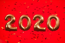 2020 Gold Ballons On A Red Bac...