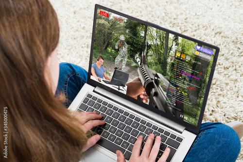 Obraz na plátně Girl Chatting On Social Website