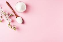 Collagen Powder In Wooden Spoo...