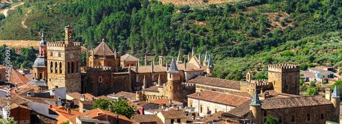 Vista del Real Monasterio de Santa María de Guadalupe en Cáceres, España