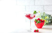 Raspberry Lemonade With Mint A...