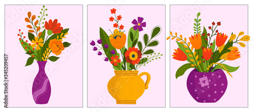 Fotografía Set of flower bouquets in wrapping and blooming plant in clay or plastic flowerpots