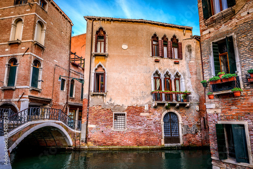 Fototapety, obrazy: Wonderful architecture, buildings and bridges in Venice Italy .