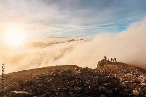 Zachód słońca na szczycie