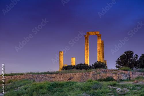 Fototapeta Temple of Hercules at Amman Citadel in Amman, Jordan.