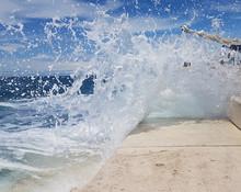 Wasser Welle Spritzwasser
