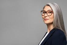 Elegant Asian Businesswoman Wi...