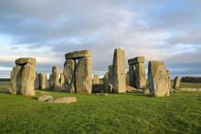 The Stones Of Stonehenge Is Fa...
