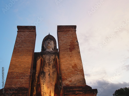 Fototapeta Wat Mahathat Temple, Sukhothai Province Is a temple in the area of Sukhothai since ancient times Wat Mahathat is located in the Sukhothai Historical Park, World Heritage Site