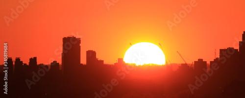 Zachód słońca  nad miastem, Williamsburg NY