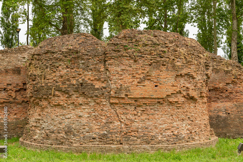 Foto Ferrara city walls and bastions view Emilia Romagna Italy