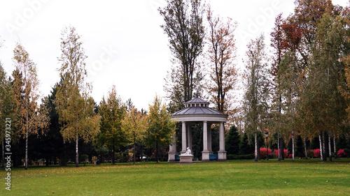 Fényképezés Arbor in the residence of the exiled President of Ukraine Yanukovych