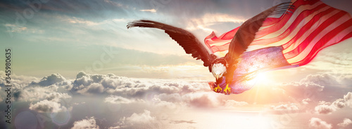 Eagle With American Flag Flying Over The Clouds Fototapet