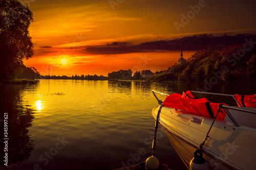 Fototapeta Zachód słońca na przystani obraz