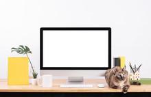 Mockup Blank Screen Desktop Co...