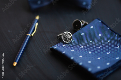 Canvas Print Cufflink, pocket square and pen.