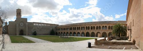 El monasterio de Rueda en la provincia de Zaragoza perteneció a una antigua orden cisterciense y en la actualidad se ha convertido en una preciosa hospedería donde descansar y conocer su historia Canvas Print