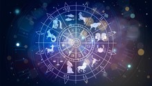 Zodiac Signs Revolve Around Th...