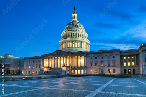 Valokuvatapetti Capitol building at night, Washington DC, USA.