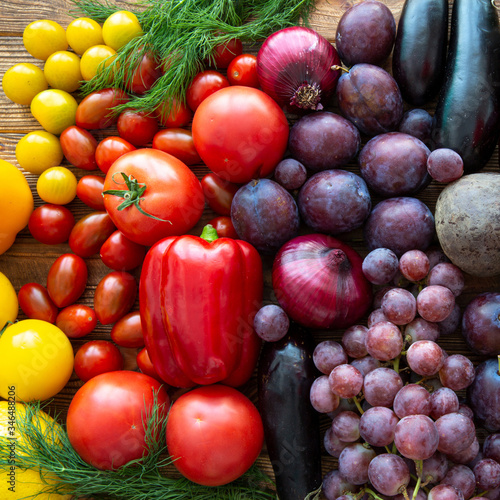Photo Colorful assortment of fruit and vegetables, healthy natural products