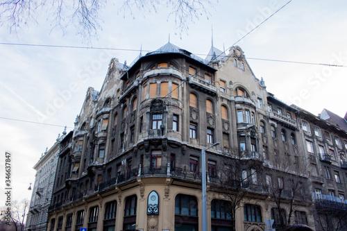 Edificio antiguo en Budapest Canvas Print