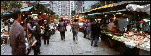 Fotografía People At Vegetable Market During Dusk