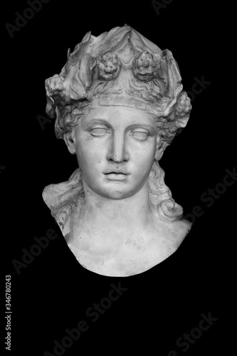 Photo Close up ancient stone statue of god of wine Dionysus (Bacchus)