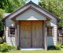 Old Fashioned Garage Customize...