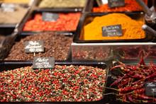 Distintas Especias En Mercado