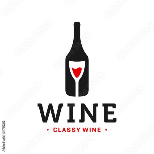 Fotografia, Obraz wine bottle and glass logo