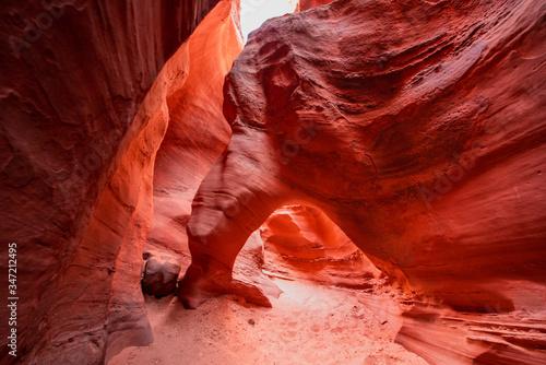 Fényképezés Arch inside peak a boo slot canyon