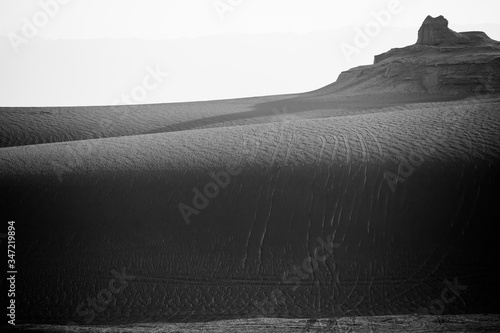 Fotografia Barren Landscape Against Clear Sky
