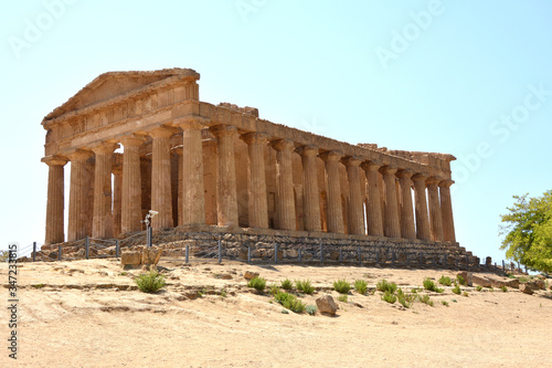 The valley of the temples in Agrigento (Sicily) Canvas Print