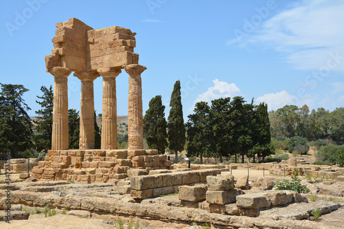 Photo The valley of the temples in Agrigento (Sicily)