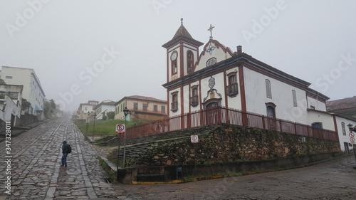 Photo Faade Of Church In Town